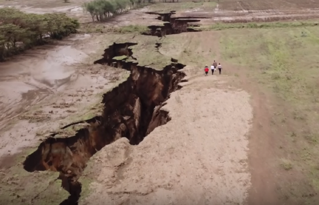 The Grand Kenyan A Huge Fissure In The East African Rift
